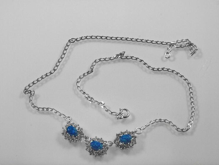 RiverSilverdesign. Stříbrný náhrdelník Sirius No.03. Blankytně modrý syntetický opál . Klasický stříbrný řetízek se 3 závěsky a zirkony.